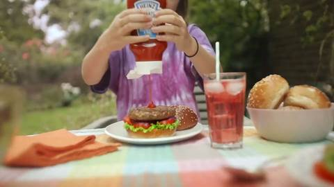 Heinz-Squeeze-the-most-out-of-summer